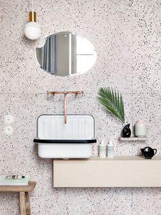 La salle de bain en terrazzo de l'appartement Marie-Sixtine