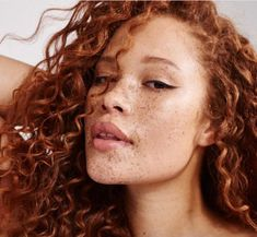 Sabina Karlsson - Models Who Are Shaking Up the Fashion Industry - Photos Beautiful Freckles, Beautiful Redhead, Pretty People, Beautiful People, Beautiful Pictures, Curly Hair Styles, Natural Hair Styles, Freckle Face, Annabeth Chase