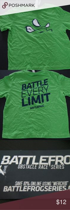 BOYS AND GIRLS GREEN BATTLE FROG T-SHIRT SIZE 5/6 -Imported.  - Unisex. - Crew neck.  - Machine wash cold.  - Ideal to wear with pants or shorts.  - Good condition.  - Excellent purchase choice. Battle Frog Shirts & Tops Tees - Short Sleeve
