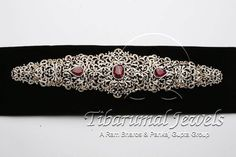 Indian Jewellery and Clothing: Bridal diamond vaddanam encrusted with ruby in the middle from Tibarumal Jewels Pearl And Diamond Necklace, Diamond Jewelry, Silver Jewelry, Anklet Jewelry, Bridal Jewelry, Cz Jewellery, Vaddanam Designs, Metal Clay Jewelry, India Jewelry