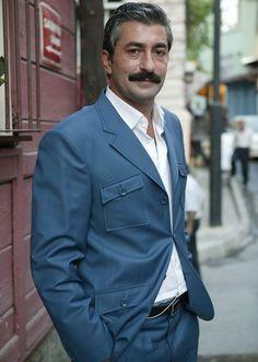 *-* Erkan Petekkaya Turkish Beauty, Celebs, Celebrities, Favorite Tv Shows, Suit Jacket, Actresses, Mens Fashion, Actors, Blazer