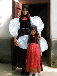 From Szék, Transylvania Art Costume, Folk Costume, Costumes, Folk Film, Folklore, Art Populaire, Folk Dance, Historical Clothing, People Around The World