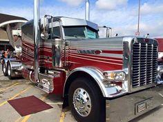 id love to have this and drive it around for fun ! Peterbilt 379, Peterbilt Trucks, Show Trucks, Big Rig Trucks, Heavy Duty Trucks, Heavy Truck, Custom Big Rigs, Custom Trucks, Diesel Cars