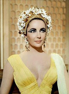#elizabethtaylor #liztaylor #cleoptra