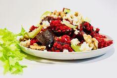 Rote Beete Bulgur Salat mit Feta | BAKEAHOLIC | Damit ihr beim Thema Ernährung länger dranbleiben könnt, gibt es heute ein sehr leckeres Low Carb Rezept mit Rote Beete, Bulgur und Feta Käse. Ihr seht … eine gesunde und bewusste Ernährung muss nicht schwer sein oder fad schmecken. Ganz im Gegenteil! Probiert es aus!