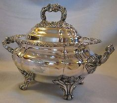 EARLY-19TH-CENTURY-OLD-SHEFFIELD-PLATE-SILVER-SAUCE-TUREEN-w-ENGRAVED-ARMORIAL