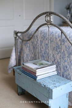 French Farmhouse Decor, French Country Bedrooms, French Country House, Farmhouse Bedrooms, Master Bedroom Redo, Blue Bedroom, Painted Iron Beds, Parisian Bedroom, Wrought Iron Beds