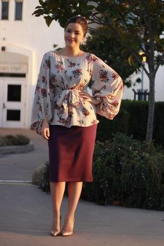 Stylish Trumpet Skirt Outfits For Formal Moments Skirt Outfits Modest, Pencil Skirt Outfits, Modest Dresses, Casual Outfits, Muslim Fashion, Modest Fashion, Hijab Fashion, Fashion Dresses, Hijab Stile