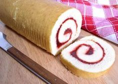 Raspberry Jelly Roll Cake (top with powdered sugar to make it a donut-like treat) - Think this is the recipe I made for Matt. Just made it in a really deep cookie sheet, didn't have a jellyroll pan. - - Stephanie (frosting for cookies powdered sugar) Cake Roll Recipes, Dessert Recipes, Food Cakes, Cupcake Cakes, Cupcakes, Swiss Roll Cakes, Jelly Cake, Jelly Roll Cakes, Cake Toppings