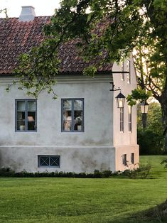 〚 Wonderful Scandinavian country: charming old villa on the island of Gotland in Sweden 〛 ◾ Фото ◾Идеи◾ Дизайн Future House, My House, Red Houses, Scandinavian Countries, House Goals, Winter Garden, Exterior Design, Countryside, House Styles