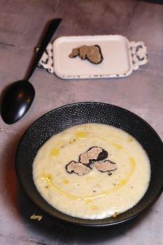 CRÈME D'ARTICHAUT AUX TRUFFES Christmas Kitchen, Gaspacho, 20 Min, Griddle Pan, Soup Recipes, Vegan Recipes, Vegan Vegetarian, Pistou, Thermomix