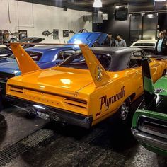 from @red_dirt_mopars -  70 hemi 4 speed superbird in vitamin C orange this this thing is gorgeous #plymouthroadrunner #plymouth #superbird #pin #twitter - #regrann