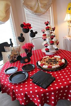 Mickey Mouse is a great tablescape with bold black, White and Red.  The red and white polka dot tablecloth really pulls it all together.