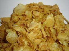 Recept: Domácí chipsy   Tradičnírecepty.cz Snack Recipes, Snacks, Chips, Food, Snack Mix Recipes, Appetizer Recipes, Appetizers, Potato Chip, Essen