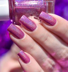 Je continue dans le rose  et dans les exclusivités @celestialcosmetics pour la boutique @color4nails avec ici le beau magenta Elfin Rose #nailartsakura #swatch #notd #instanails #nailstagram #nailpolish #polish #vernis #nail #holo #holographique #holonails #nailoftheday #celestialcosmetics #color4nails #indieswatch by nailartsakura Magenta, Purple, Sakura, Nail Art, Holographic Nails, Swatch, Royalty, Magic, Boutique