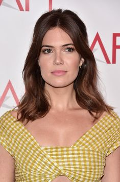 Mandy Moore Half Up Half Down – Mandy Moore looked oh-so-sweet wearing this wavy half-up style at the AFI Awards. Wedding Hairstyles For Long Hair, Wedding Hair And Makeup, Hair Makeup, Mandy Moore Hair, Medium Hair Styles, Short Hair Styles, Hair Medium, Baliage Hair, Hair Trends