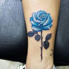 Mommy Tattoos, Dope Tattoos, Mini Tattoos, Body Art Tattoos, Small Tattoos, Tattos, Blue Flower Tattoos, Single Rose Tattoos, Rose Tattoos For Women