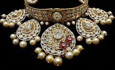 Tell Stories with Jewelry! #choker #necklace #kundan #indianjewelry #ruby #pearls #mbjluxury #luxuryjewelry #bridal