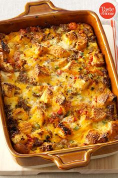 50 Easy Casseroles to Make for Dinner Tonight These easy casserole recipes will be your saving grace on busy weeknights. Easy Casserole Recipes, Crockpot Recipes, Chicken Recipes, Cooking Recipes, Healthy Recipes, Easy Recipes, One Pot Meals, Easy Meals, Food Dishes
