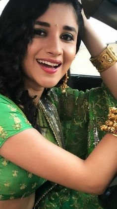 Yeh Hai Mohabbatein, Indian Show, Cute Actors, Indian Sarees, Sari, Actresses, Beautiful, Photos, Fashion