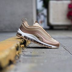 Nike Air Max 97 Ultra: Metallic Red/Bronze