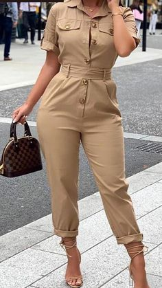 Classy Dress, Classy Outfits, Stylish Outfits, Elegant Outfit, Fashion Pants, Fashion Outfits, Mode Lookbook, Casual Jumpsuit, Jumpsuit Outfit