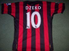 fb6f11c75 2011 2012 Manchester City Dzeko Adults Small Football Shirt Top Classic Football  Shirts
