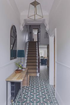 Decor Interior Design, Interior Decorating, House Stairs, Diy, Home Decor, Victorian Tiles, Light Gray Walls, Wood And Metal, Interior Architecture