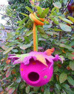 Gefilzte Vogel Hülse Vogelhaus Ornament von FeltedArtToWear auf Etsy