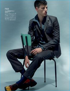 Nemanja Maksic pictured in a sailor-inspired suiting number from Prada for GQ Japan. Top Model Poses, Suits You, Gq, Fashion Photography, Fall Winter, Men Casual, Photoshoot, Mens Fashion, Japan