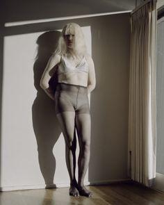 Katy Grannan  Dale, Southampton Avenue (II), 2007, pigment print