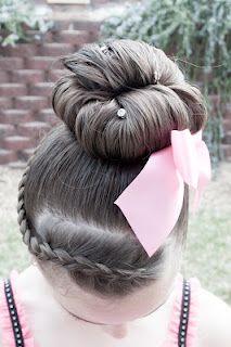 Huge website of tons of cute girl hairstyles
