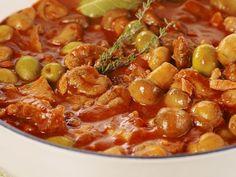 Découvrez la recette du chef Les plats indispensables du restaurant , Ce dont tu auras besoin 1,8kg de veau coupé en cube (collier ou poitrine), 500g de cha | Craftlog