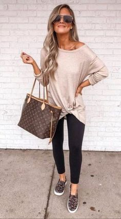trendy outfits for women * trendy outfits . trendy outfits for summer . trendy outfits for school . trendy outfits for women . trendy outfits for summer 2020 Trendy Fall Outfits, Casual Work Outfits, Mom Outfits, Fall Winter Outfits, Work Casual, Winter Wear, Summer Casual Outfits For Women, Women Fashion Casual, Casual Tops