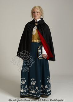 Follobunad til dame - BunadRosen AS Norwegian Clothing, Norway, Cape, Kimono Top, Costumes, Elegant, Antiques, Clothes, Vintage