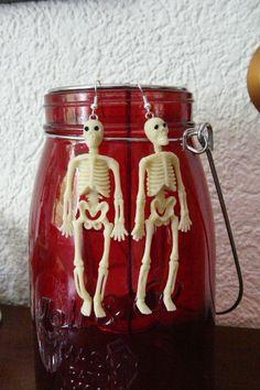 """Ohrringe - """"Skelette"""" in beige,halloween - ein Designerstück von Miss-Gin bei DaWanda"""
