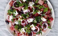 Vandmelonsalat med mynte, feta og oliven