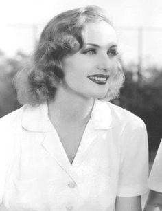 Carole Lombard was so pretty!