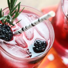 Blackberry Gin Lemonade | Inspired by Charm #drinksandlinks