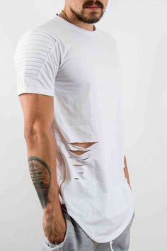 Hombre – www.urbanwear.co Camiseta LMZ -Tshirt Destroyer @diego08gomez - Model @gallegoedison - Photographer