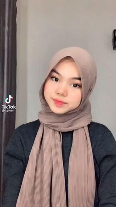 Stylish Hijab, Modest Fashion Hijab, Modern Hijab Fashion, Street Hijab Fashion, Hijab Fashion Inspiration, Muslim Fashion, Look Fashion, Hijab Casual, Simple Hijab Tutorial