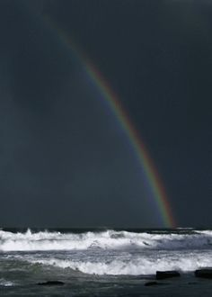 A rainbow over the ocean. GIF - Thirty Gorgeous Landscape And Nature Cinemagraphs Image Nature, All Nature, Beste Gif, Fuerza Natural, Foto Gif, Amazing Gifs, Somewhere Over, Cinemagraph, Gif Animé