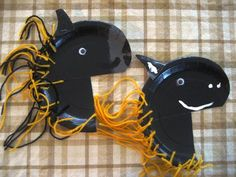 Turn a paper plate into a cute horse with a mane of yarn. A fun project to celebrate the Year …