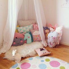 mommo design: reading nook for kids room Reading Nook Kids, Princess Room, Kids Room Design, Playroom Design, Playroom Ideas, Little Girl Rooms, Kid Spaces, Space Kids, Room Kids