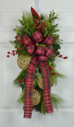 Our beautiful Christmas wreath to celebrate the holiday. A beautiful Christmas swag with a wild and carefree natural look. Christmas Swags, Xmas Wreaths, Christmas Holidays, Christmas Crafts, Christmas Decorations, Christmas Ornaments, Holiday Decor, Door Wreaths, Country Christmas