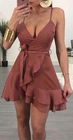 A-Line Mini Cocktail Dress Mulberry Chiffon Homecoming Dress with Ruffles - Damen Mode 2019 Formal Dresses For Women, Sexy Dresses, Cute Dresses, Short Dresses, Simple Dresses, Sexy Summer Dresses, Dress Summer, Brown Formal Dresses, Knee Length Summer Dresses