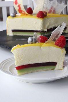 Mangoglaserad moussetårta