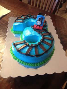 39 ideas birthday cake kids boys thomas the train for 2019 - Bake me cake - kuchen kindergeburtstag Thomas Train Birthday Cake, Birthday Cake Kids Boys, Thomas Birthday Parties, 3rd Birthday Cakes, Trains Birthday Party, Train Party, Birthday Ideas, Third Birthday, Car Party