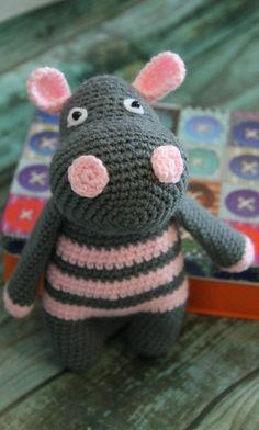 PDF Бегемотик Моня. Бесплатный мастер-класс, схема и описание для вязания игрушки амигуруми крючком. Вяжем игрушки своими руками! FREE amigurumi pattern. #амигуруми #amigurumi #схема #описание #мк #pattern #вязание #crochet #knitting #toy #handmade #поделки #pdf #рукоделие #бегемот #бегемотик #hippo