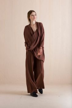 Capa oversize silk dress is available on Cortana´s Online shop. Ready-to-wear Collection.